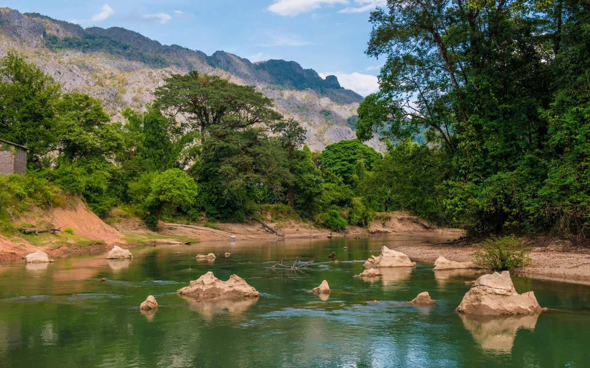 Konglor village - This place is very famous in Laos